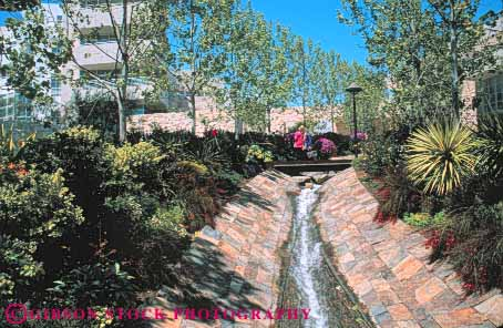 Stream to central garden getty center los angeles for Landscaping rocks los angeles