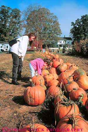 Mother daughter pumpkin picking cheshire the berkshires for Mother daughter vacation destinations