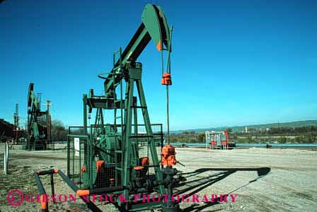Stock Photo #1375: keywords -  california city crude derrick equipment fuel gas horz industry king machine natural oil petroleum pump resource