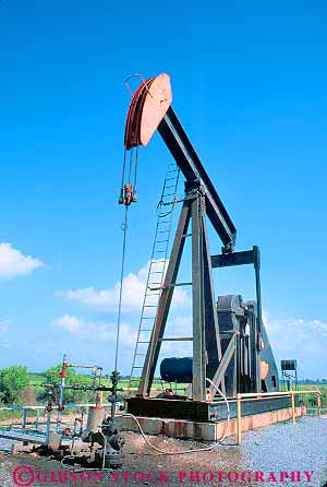 oil production equipment at wellhead texas stock photo 17455