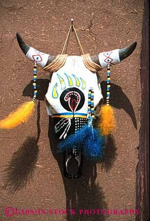 Stock Photo #2905: keywords -  american art bead bone cattle create creative feather folk head horn indian native painted sculpture skeleton skull southwest steer vert