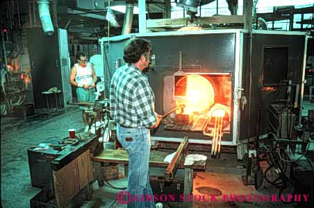 Stock Photo #4522: keywords -  corning craft crafting craftsman create glass heat horz hot kiln make maker manufacture manufacturing melt museum oven skill