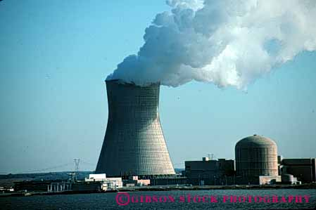 Stock Photo #5318: keywords -  cloud controversial controversy cooling electric electrical electricity emission exhaust generate generating generation grid hazard hazardous horz industry nuclear philadelphia plant power radiation risk steam technology tower